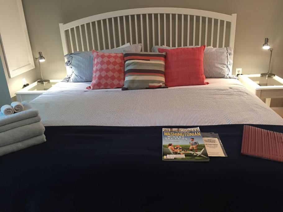 King-size bed with memory foam mattress