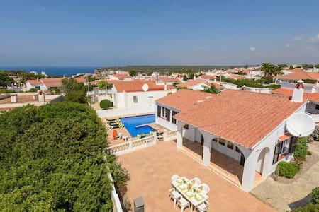 Villa CLAUDIA bonita  - favolosa piscina