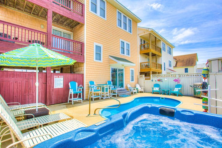 5040 Starry Nights * 3 Min Walk to Beach * Dog Friendly * Pool & Hot Tub