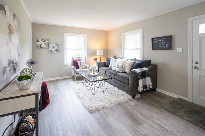 Clean, comfortable, renovated home near Notre Dame