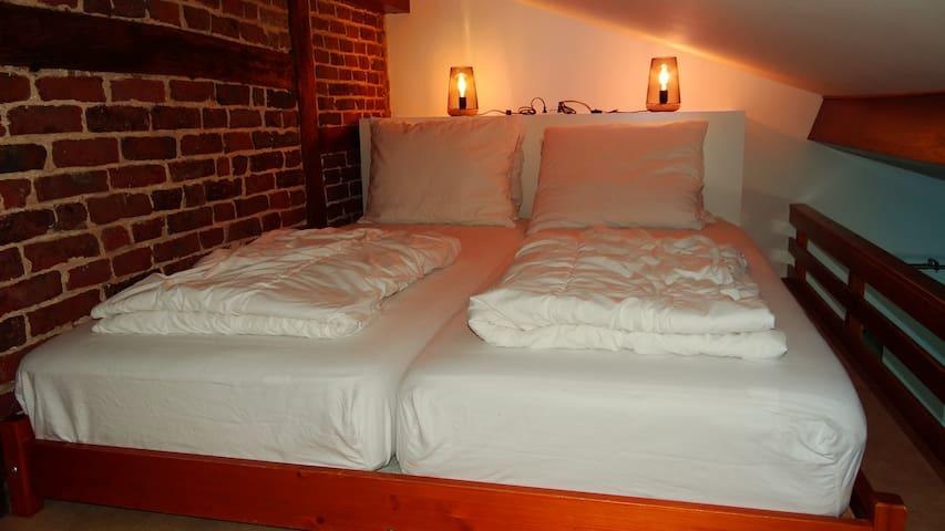 Bed vide 160cm x 200cm
