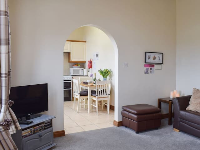 1 Bedroom - UK2633 (UK2633)