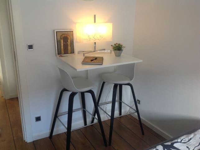 Lyst moderne værelse