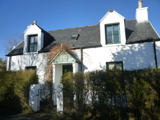 Pipers Cottage Blackpark Broadford