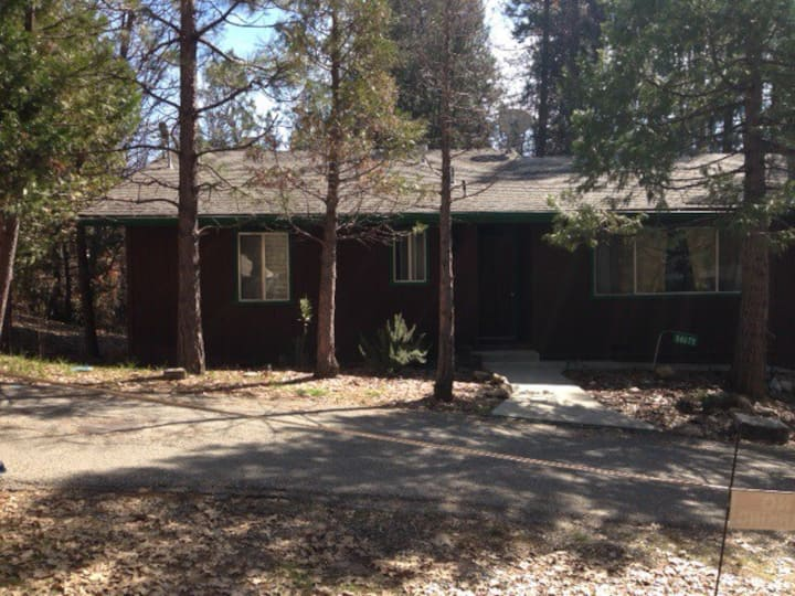 LA12 a Willow Cove Home just minutes from Yosemite National Park