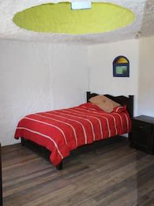 La cúpula - room for 2 with bathroom and breakfast