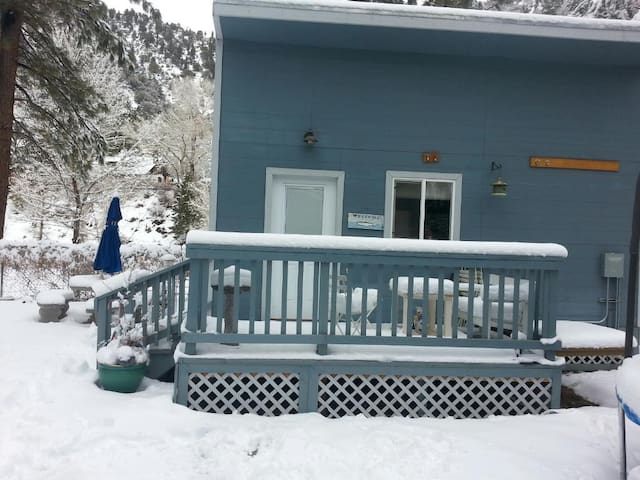 The Highway Hideaway, from $50 mid-week off-season - Wrightwood - Cabaña