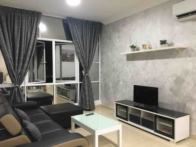 Boulevard Serviced Apartment - 6KM to Center of KL