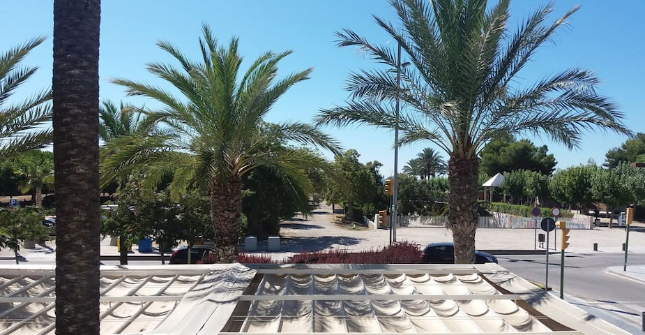 Apartment next to the beach with sea views - Vilanova i la Geltrú - 아파트
