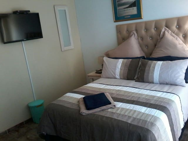 Eagles Guest Lodge, a self catering ,well equipped