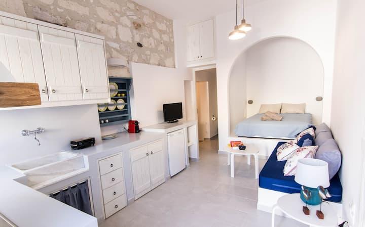 Lefko apartment 2- Kimolos