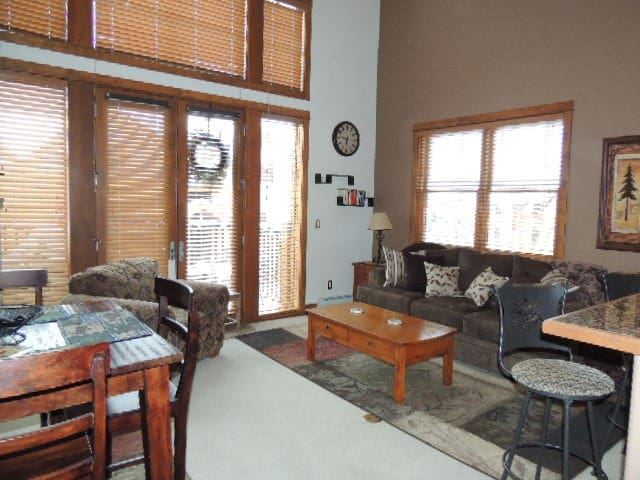 2 Bed, 2 Bath 2 Level End Unit Sunn - Keystone - Ev