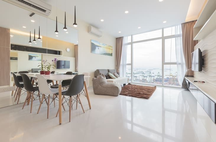 Brand New 2 bedroom 270 Degree Seaview Marina Bay