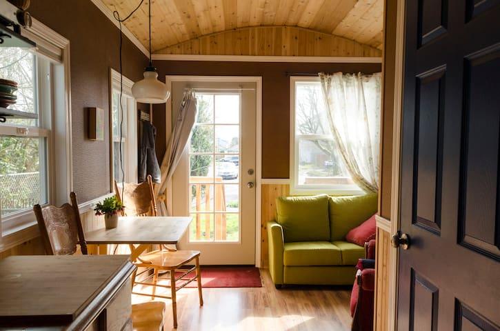 Caravan Tiny House, Woodstock