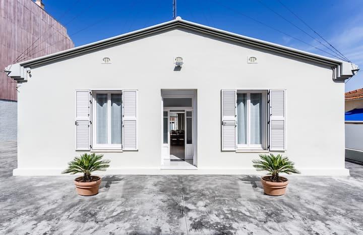 Casa amb piscina i parking 150 metres de la platja