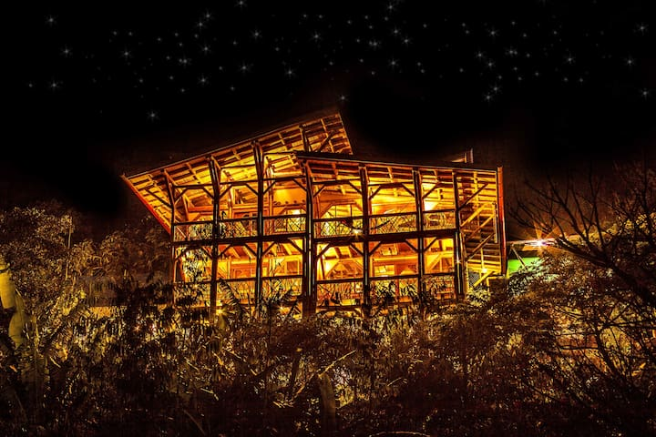 Bamboo Guest House in Tzununa, Lake Atitlan