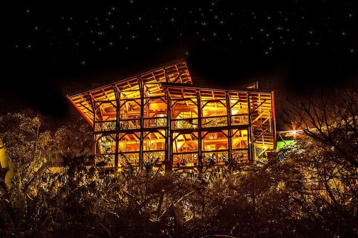 Bambu Guest House in Tzununa, Lake Atitlan
