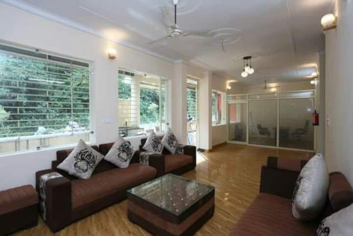 Vardan Foundation : Home 4 Ayurveda & Yoga :)