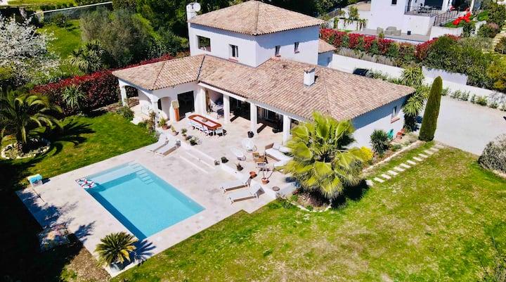 Superbe Villa proche Saint Paul de Vence