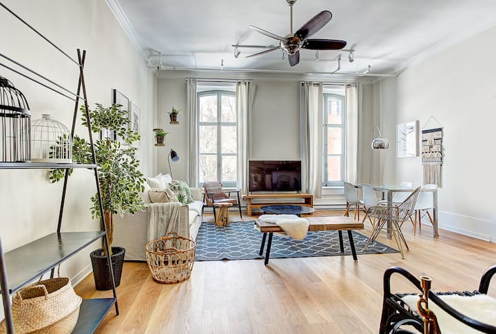 Stunning 3beds-2bath Old MTL Quiet Park+FreePKG