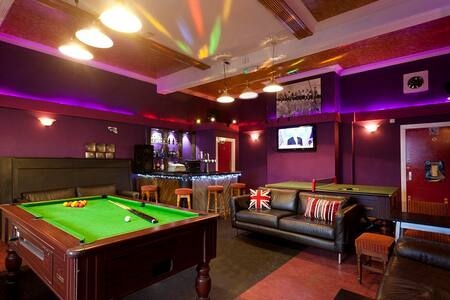 City Centre 7 Rooms and 10 Beds above Real Ale Bar - Nottingham City Centre - Lejlighed