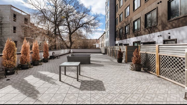 Luxury 1br with Private Patio in Hip Bushwick