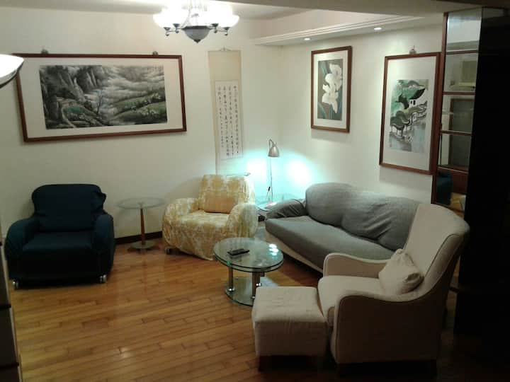 Well located double room - Central Taipei