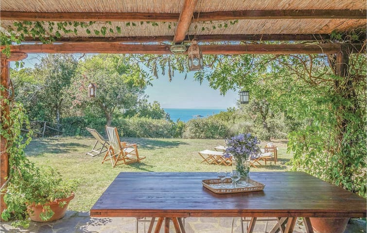 Holiday cottage with 3 bedrooms on 120m² in Rio nell´Elba LI