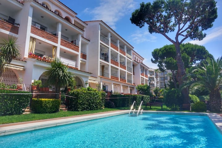 Family Loft -  Beach at 500 m, parking, wifi, pool