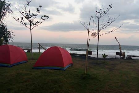 Keramas Beach Glamping Tent - Blahbatuh