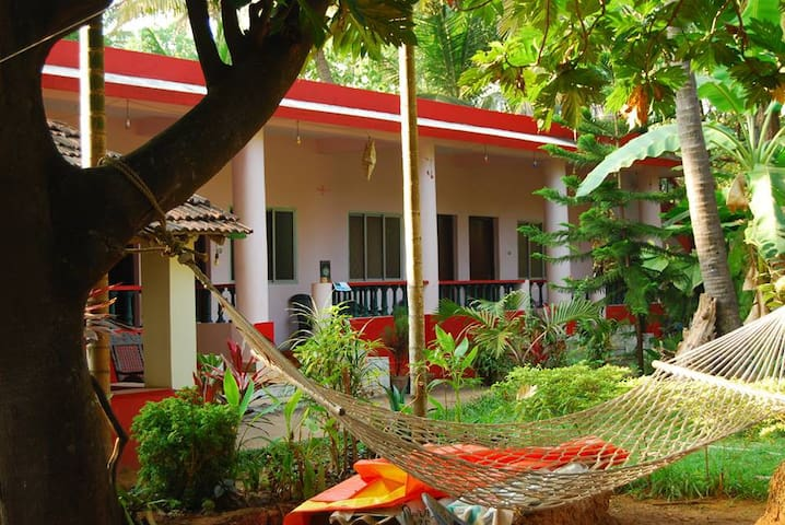 Omkar Guest house AC room - Anjuna - House