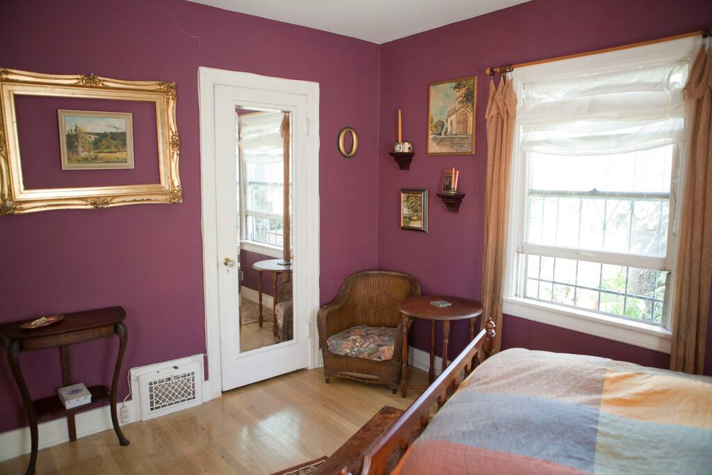 Arrival Haven Bedroom. Behind mirrored door is the walk-in closet.