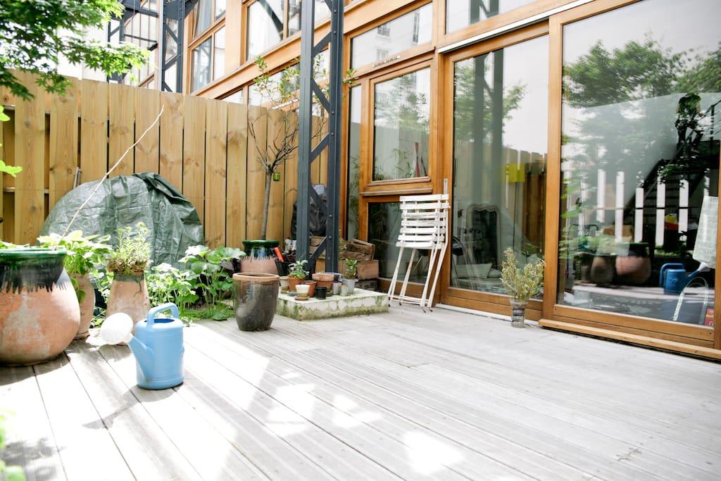 Chambre dans 1 loft avec terrasse lofts louer paris for Restaurant avec terrasse ile de france