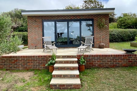 East Sussex new studio with fantastic sea views.