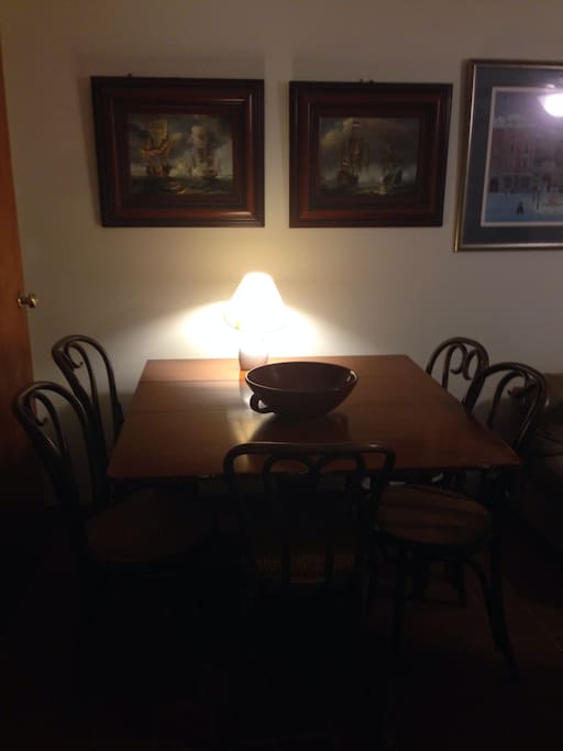 Dining table for 6 and opens to sit 6