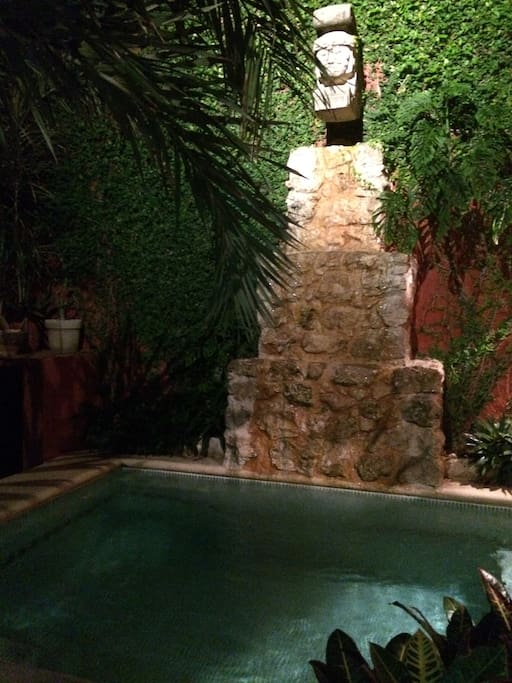 Evening at the plunge pool and terrace