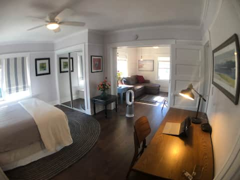 Bright, Clean Cozy One Bedroom Downtown Long Beach