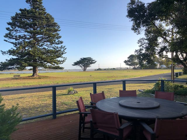 Illawong | Perfect Location - Relax - Pet Friendly
