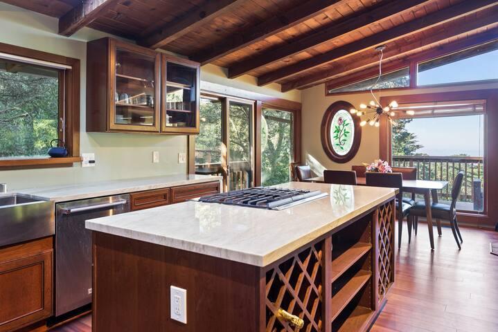 Oakland Hills Private Luxury Retreat