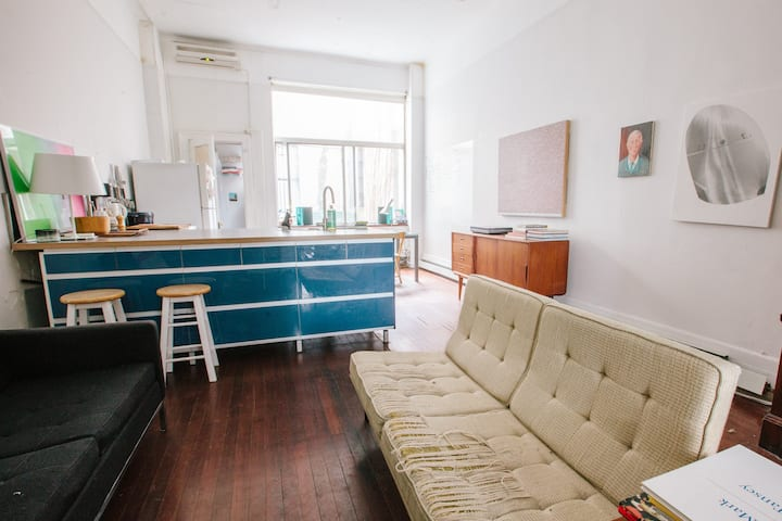 Prime Williamsburg Loft Oasis with Garden!