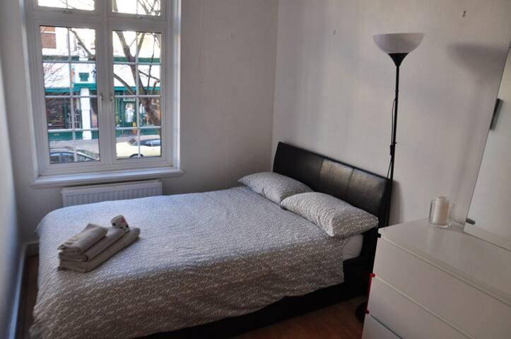 Single Room in London Portobello