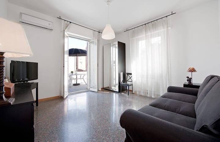 modern & comfortable apart. int.4