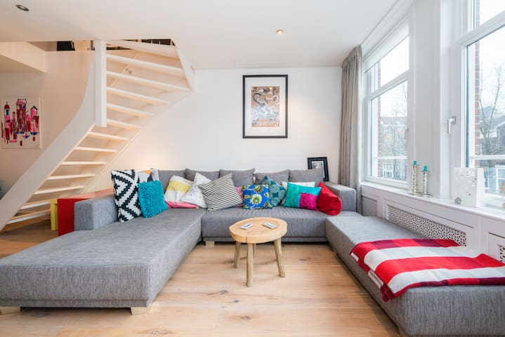 Stylish Duplex Apartment Jordaan