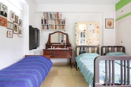 Unique Studio Homestay for Art Lovers