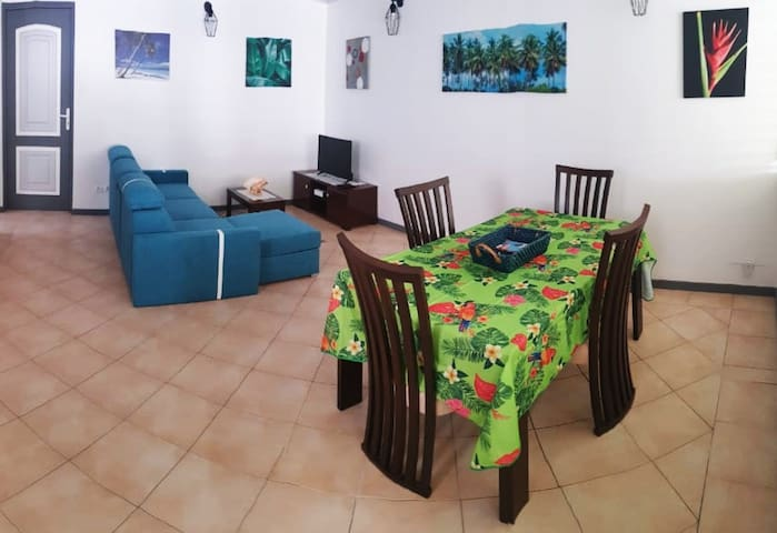 Spacious T2 - 5 minutes from the beach - 01