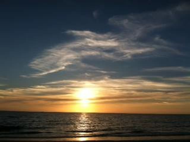 Water front condo with lovely view. - Fort Myers Beach - Apartment