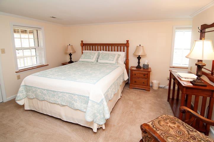 Spacious queen room, beautiful oak furnishings, direct porch access
