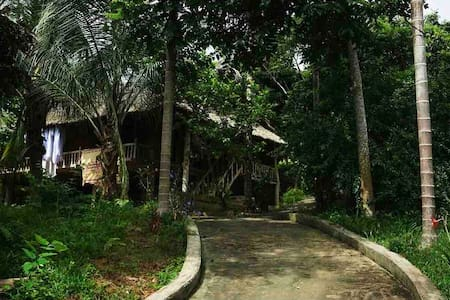 GreenVietnam EcoFarm & Lodge