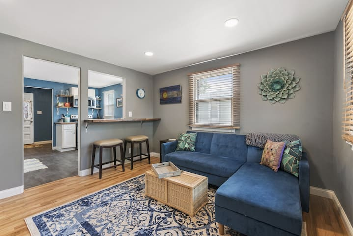 Cozy Arvada Bungalow Near Light Rail