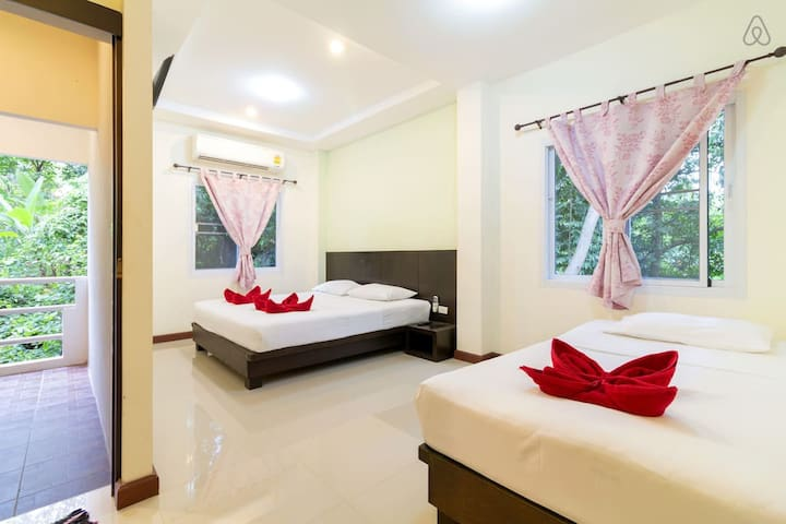 Apartment near Beach Family Room